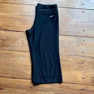 Nike dri fit black Capri size large